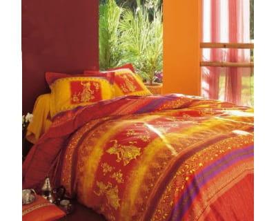 orientale 10 housses de couettes ensoleill es moins de 40 euros journal des femmes. Black Bedroom Furniture Sets. Home Design Ideas