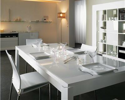 Une table l gante 10 belles tables pour votre salle for Salle a manger urban