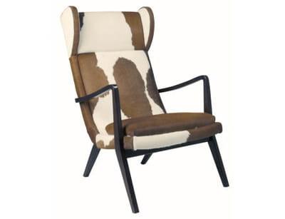 un fauteuil en peau de b te tendance nordique journal des femmes. Black Bedroom Furniture Sets. Home Design Ideas