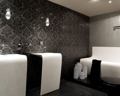 salle de bains 'wall strip' d'aquamass 