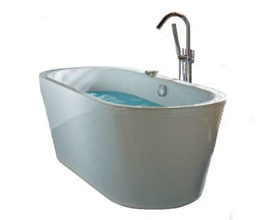 une baignoire lot tr s l gante une salle de bains. Black Bedroom Furniture Sets. Home Design Ideas