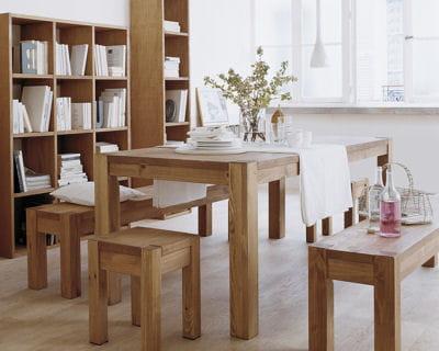 Espace chaleureux 15 belles tables pour une maison for Table familiale