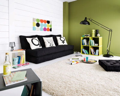 fa on coussin de sol les canap s tiennent salon journal des femmes. Black Bedroom Furniture Sets. Home Design Ideas