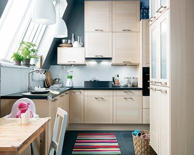 nature bois en lumi re 25 cuisines dans tous les styles journal des femmes. Black Bedroom Furniture Sets. Home Design Ideas