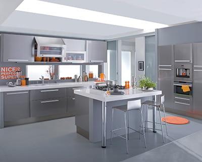 parure m tal 25 cuisines dans tous les styles journal des femmes. Black Bedroom Furniture Sets. Home Design Ideas