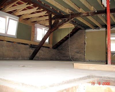 Un grenier aménagé en espace détente : Avant-après : 10 pièces de ...