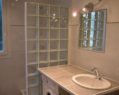 Mur de verre avant apr s 10 salles de bains de - Mur de verre salle de bain ...