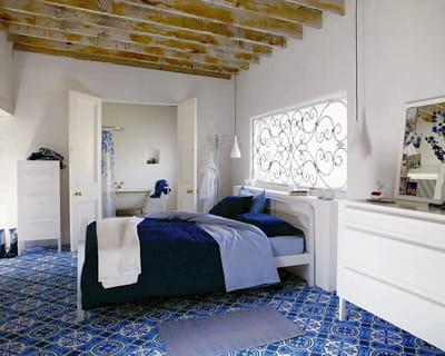 a l 39 heure espagnole 20 ambiances autour du bleu journal des femmes. Black Bedroom Furniture Sets. Home Design Ideas