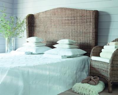 ambiance bord de mer t tes de lit des id es pour un sommeil tr s d co journal des femmes. Black Bedroom Furniture Sets. Home Design Ideas