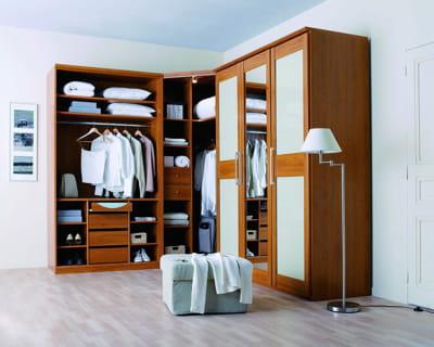 astucieux dressing 12 mod les pour une garde robe organis e journal des femmes. Black Bedroom Furniture Sets. Home Design Ideas