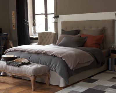 en lin une chambre dans de beaux draps journal des femmes. Black Bedroom Furniture Sets. Home Design Ideas