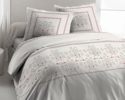 ambiance chalet de montagne une chambre dans de beaux draps journal des femmes. Black Bedroom Furniture Sets. Home Design Ideas
