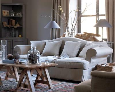 classique chic un canap classe pour mon salon journal des femmes. Black Bedroom Furniture Sets. Home Design Ideas