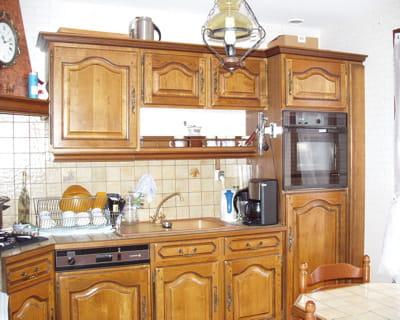 avant une cuisine rustique en ch ne avant apr s dix int rieurs totalement relook s. Black Bedroom Furniture Sets. Home Design Ideas