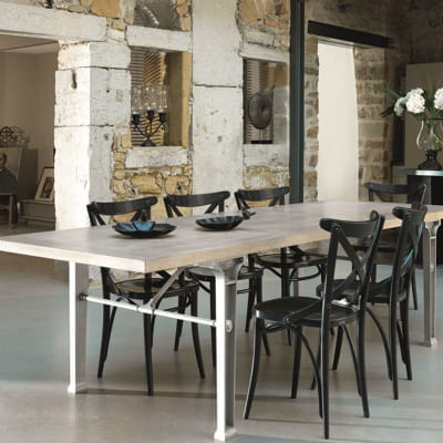 chaise noire en bois de grange. Black Bedroom Furniture Sets. Home Design Ideas