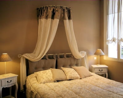 une chambre à l'ambiance romantique