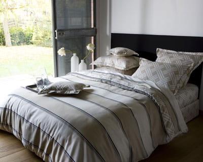 rayures de toutes parts chambre nouveaux draps pour un look printanier journal des femmes. Black Bedroom Furniture Sets. Home Design Ideas