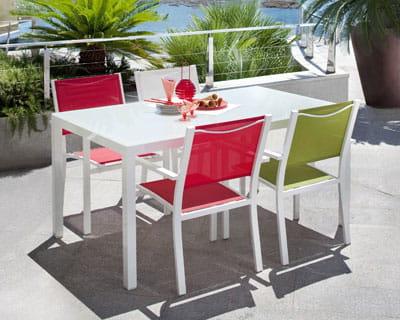 Carrefour table de jardin en verre