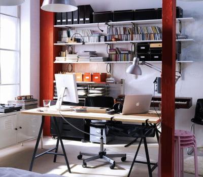 Bureau vika lerberg en pin massif d 39 ikea je veux un style atelier dans - Bureau ikea treteaux ...