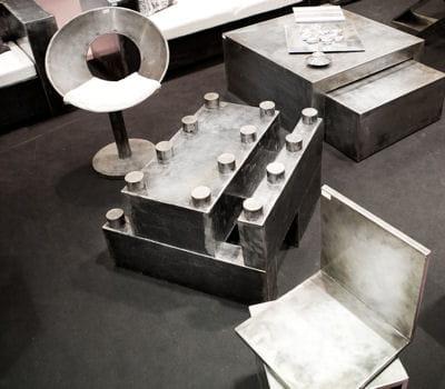 mobilier en acier bross d 39 artisans du design je veux un style atelier dans mon int rieur. Black Bedroom Furniture Sets. Home Design Ideas