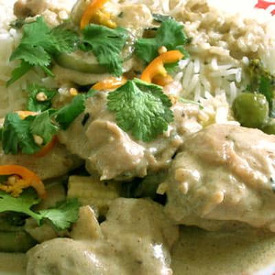 Le curry se met au vert 55 recettes au poulet journal des femmes - Cuisine thai poulet curry vert ...