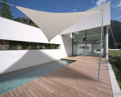 Un peu d 39 ombre pour se rafra chir terrasse et piscine ambiances de r - Forum voile d ombrage ...