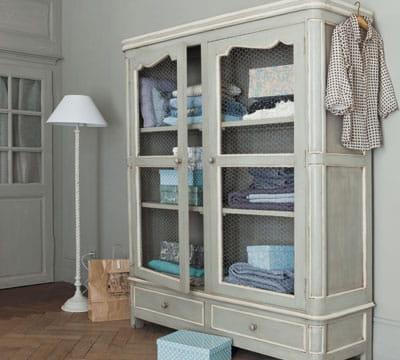 armoire linge grillag e. Black Bedroom Furniture Sets. Home Design Ideas
