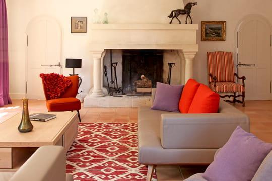 Cocktail de couleurs dans une maison de campagne - Harmonie des couleurs dans une maison ...