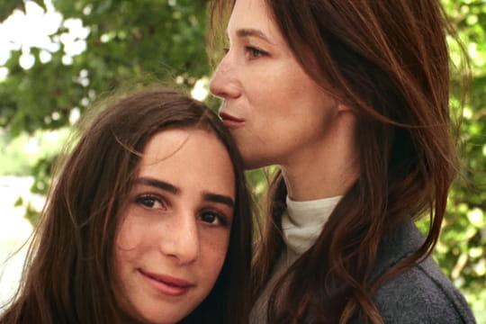 Charlotte gainsbourg et sa fille alice attal en vid o pour - Comptoir des cotonniers mere et fille ...