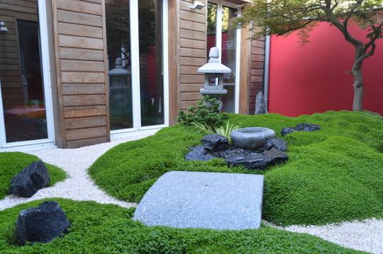 avant apr s une terrasse transform e en jardin japonais. Black Bedroom Furniture Sets. Home Design Ideas