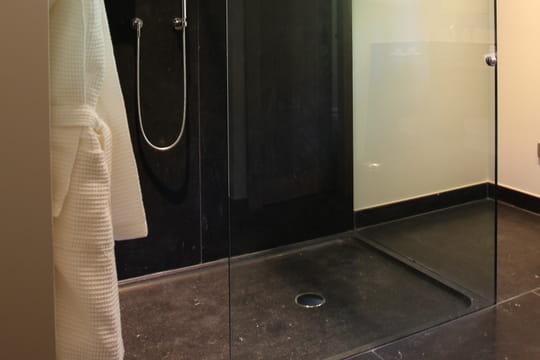 la différence de la douche classique la douche à l italienne est ...