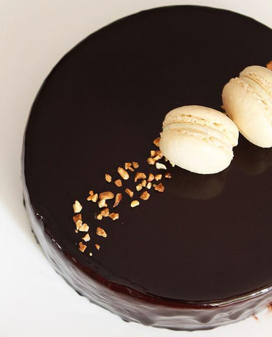 Comment r aliser facilement un nappage au chocolat - Comment cuisiner un gateau au chocolat ...