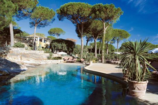 Les plus belles piscines d 39 h tels de luxe en france for Hotel de luxe en france