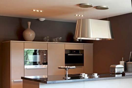 comment clairer la cuisine journal des femmes. Black Bedroom Furniture Sets. Home Design Ideas