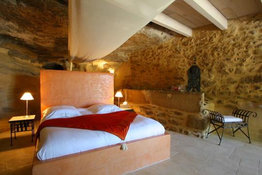 le ciel de lit la touche romantique de la chambre d 39 adultes. Black Bedroom Furniture Sets. Home Design Ideas
