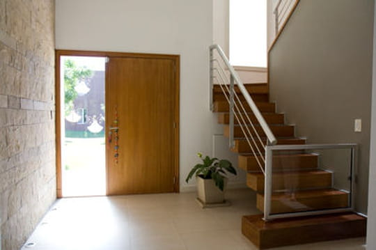 Comment bien d corer une entr e et un couloir journal - Comment decorer son entree de maison ...