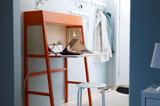 20 petits bureaux gain de place journal des femmes. Black Bedroom Furniture Sets. Home Design Ideas
