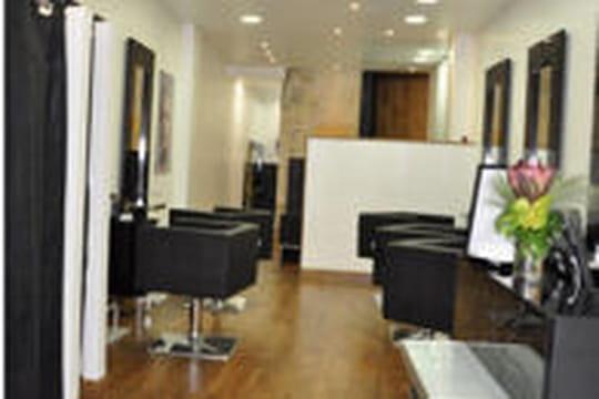 jean marc joubert ouvre un nouveau salon la rochelle journal des femmes. Black Bedroom Furniture Sets. Home Design Ideas