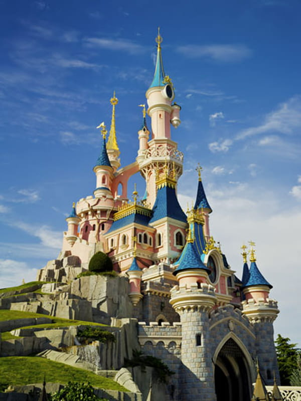 le parc disneyland paris toutes les infos. Black Bedroom Furniture Sets. Home Design Ideas