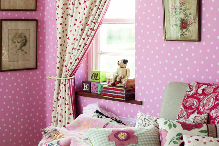 papier peint polka dot de sanderson. Black Bedroom Furniture Sets. Home Design Ideas