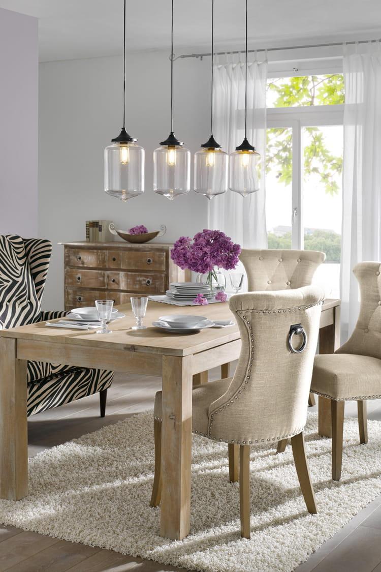 suspension en verre d 39 helline. Black Bedroom Furniture Sets. Home Design Ideas