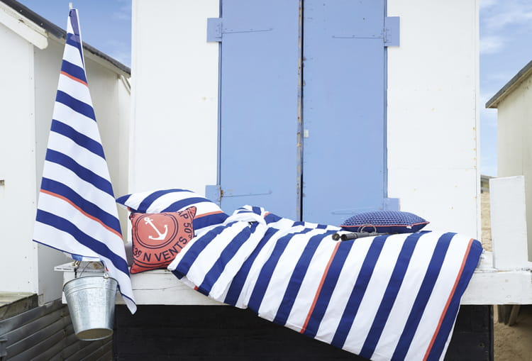 tissu ray bord de mer de mondial tissu. Black Bedroom Furniture Sets. Home Design Ideas