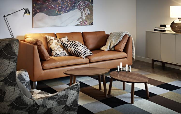 canap en cuir stockholm d 39 ikea les canap s en cuir sous les projecteurs journal des femmes. Black Bedroom Furniture Sets. Home Design Ideas