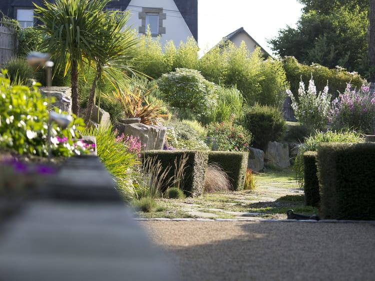 Perspective verdoyante un jardin min ral qui joue sur for Entretien jardin le havre