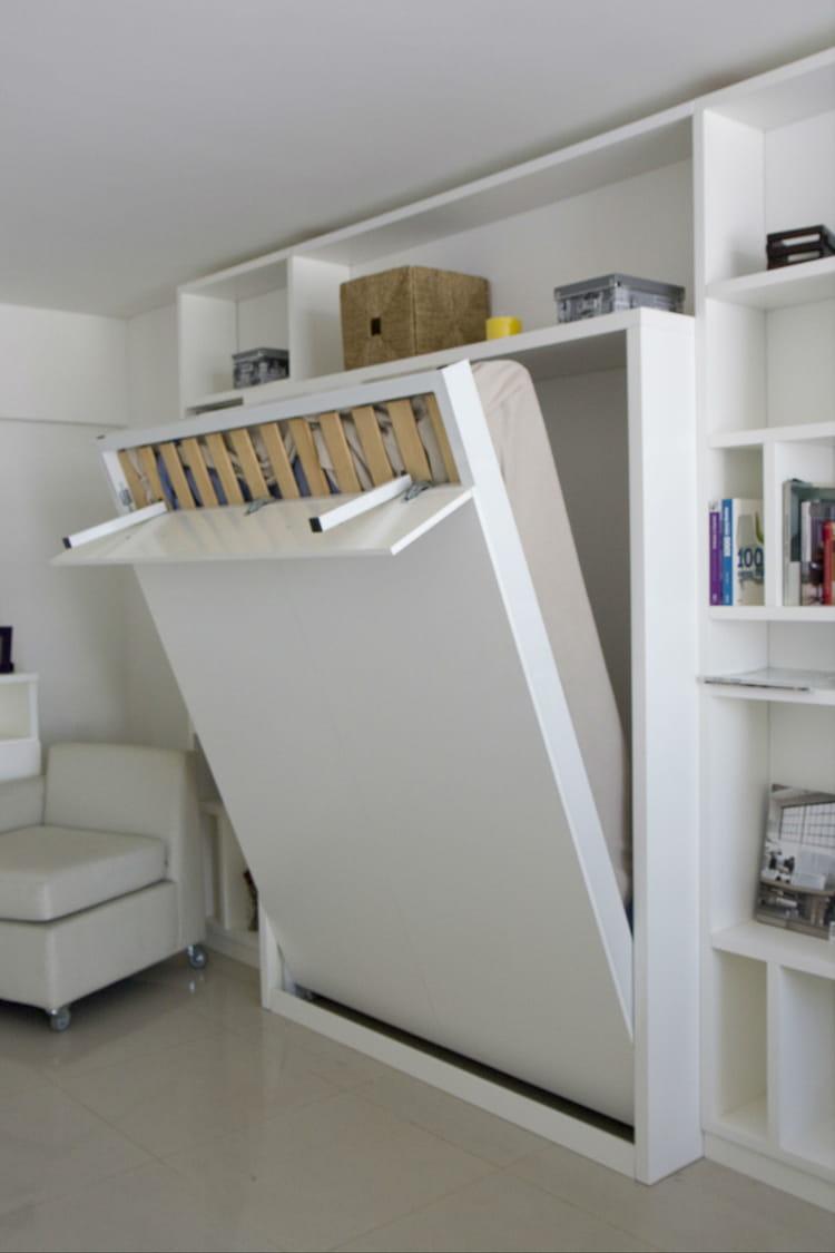 choisir un lit malin et discret. Black Bedroom Furniture Sets. Home Design Ideas