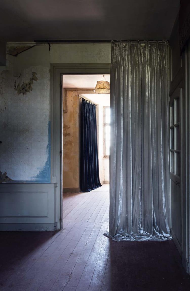 rideaux istanbul en velours chez le monde sauvage 10 rideaux cosy pour passer l hiver au. Black Bedroom Furniture Sets. Home Design Ideas