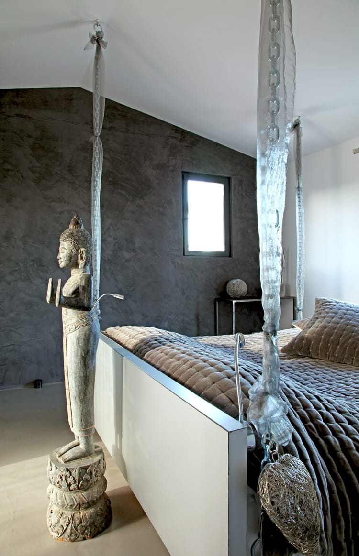 une chambre indon sienne bien choisir sa d co couleur anthracite journal des femmes. Black Bedroom Furniture Sets. Home Design Ideas