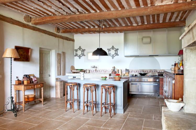 une cuisine campagne rustique et brocante sous le charme des cuisines campagne chic journal. Black Bedroom Furniture Sets. Home Design Ideas
