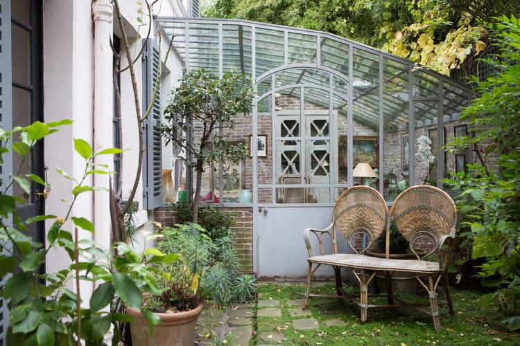 Une v randa naturelle des v randas et jardins d 39 hiver pleins de charme - Construire jardin d hiver ...