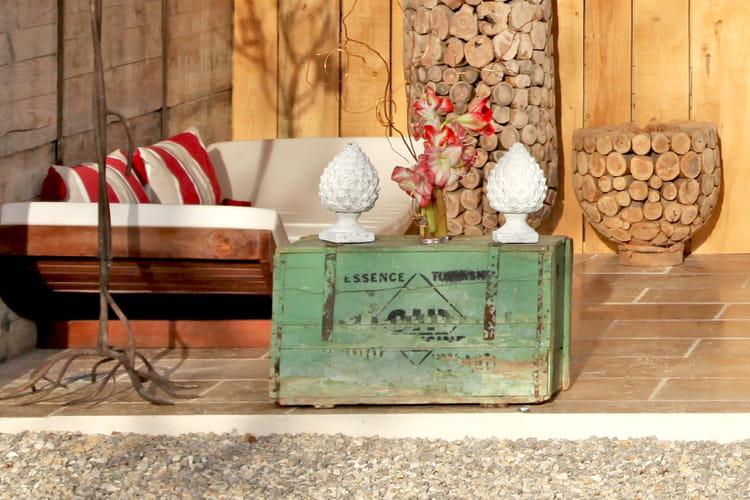coffre de rangement ext rieur caisse en bois des id es pour la recycler journal des femmes. Black Bedroom Furniture Sets. Home Design Ideas